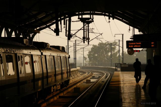 Looking out onto the Delhi Metro tracks in Badarpur. Flickr/Axel Drainville