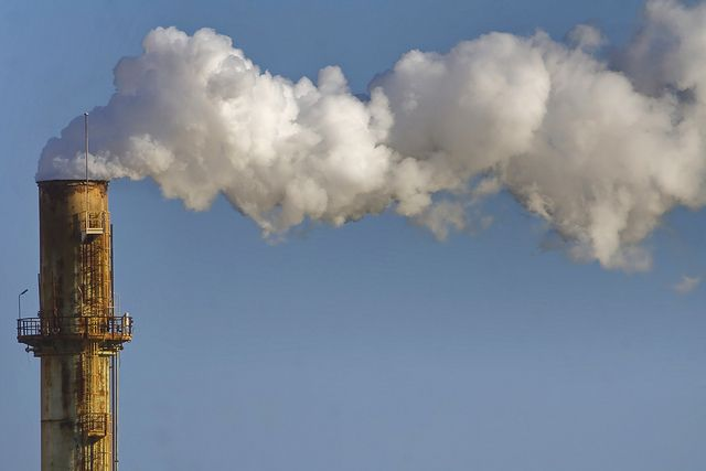 Inventories are a fundamental tool for countries and facilities to measure and manage their GHG emissions. Photo credit: Roger/Flickr
