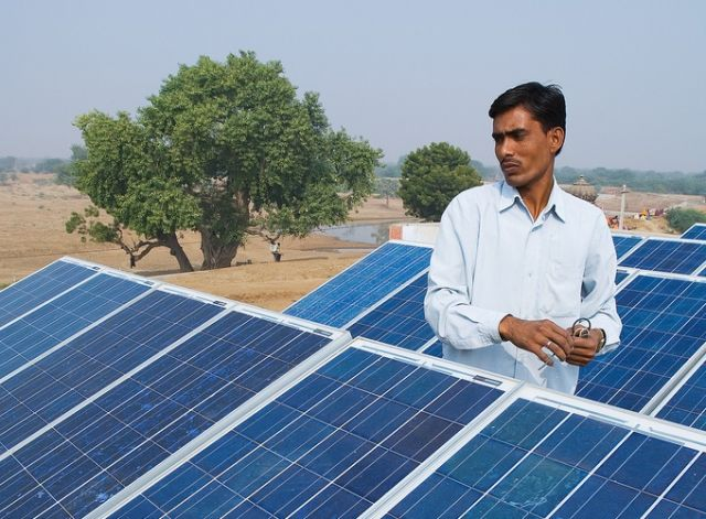 A US-India agreement on clean energy and climate change will help turn India's bold renewable energy targets into reality. Photo by Knut-Erik Helle/Flickr.