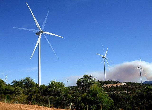 Thanks to government-led programs supported by international partners, Mexico installed 1240 MW of wind generation capacity by 2012. Photo credit: neusbordas/Flickr