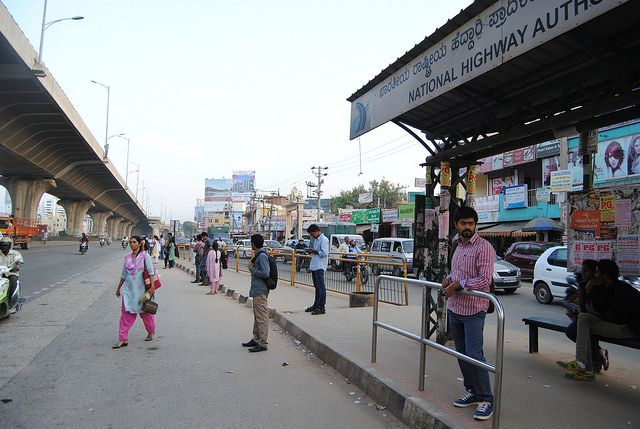 India has one of the worst road safety records in the world, with around 1,37,423 road traffic fatalities in 2013. (Bangalore, India) Photo by EMBARQ.