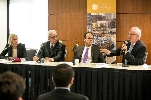 From left to right: Amy Harder, Chad Holliday, Ken Gayer, and Andrew Steer. Photo credit: Bill Dugan, WRI