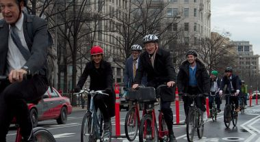 WRI's Andrew Steer and Claudia Adriazola on the Pennsylvania Avenue biketrack