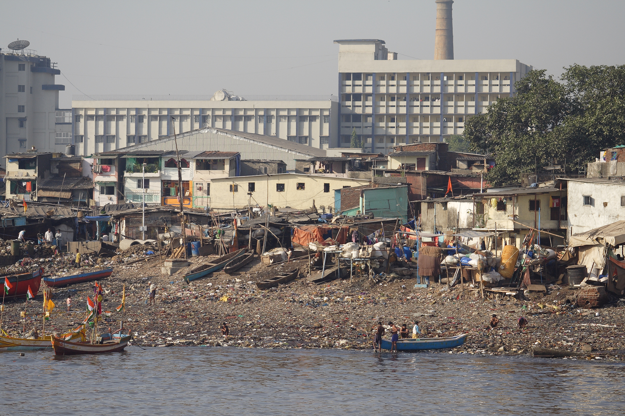 <p>Waterside homes in Mumbai. Flickr/Department of Foreign Affairs and Trade</p>