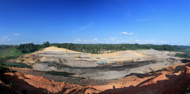 <p>Coal mining site in Indonesia. Flickr/Parolan Harahap</p>