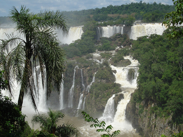 <p>Iguacu Falls, Brazil. Photo by WRI/Flickr</p>