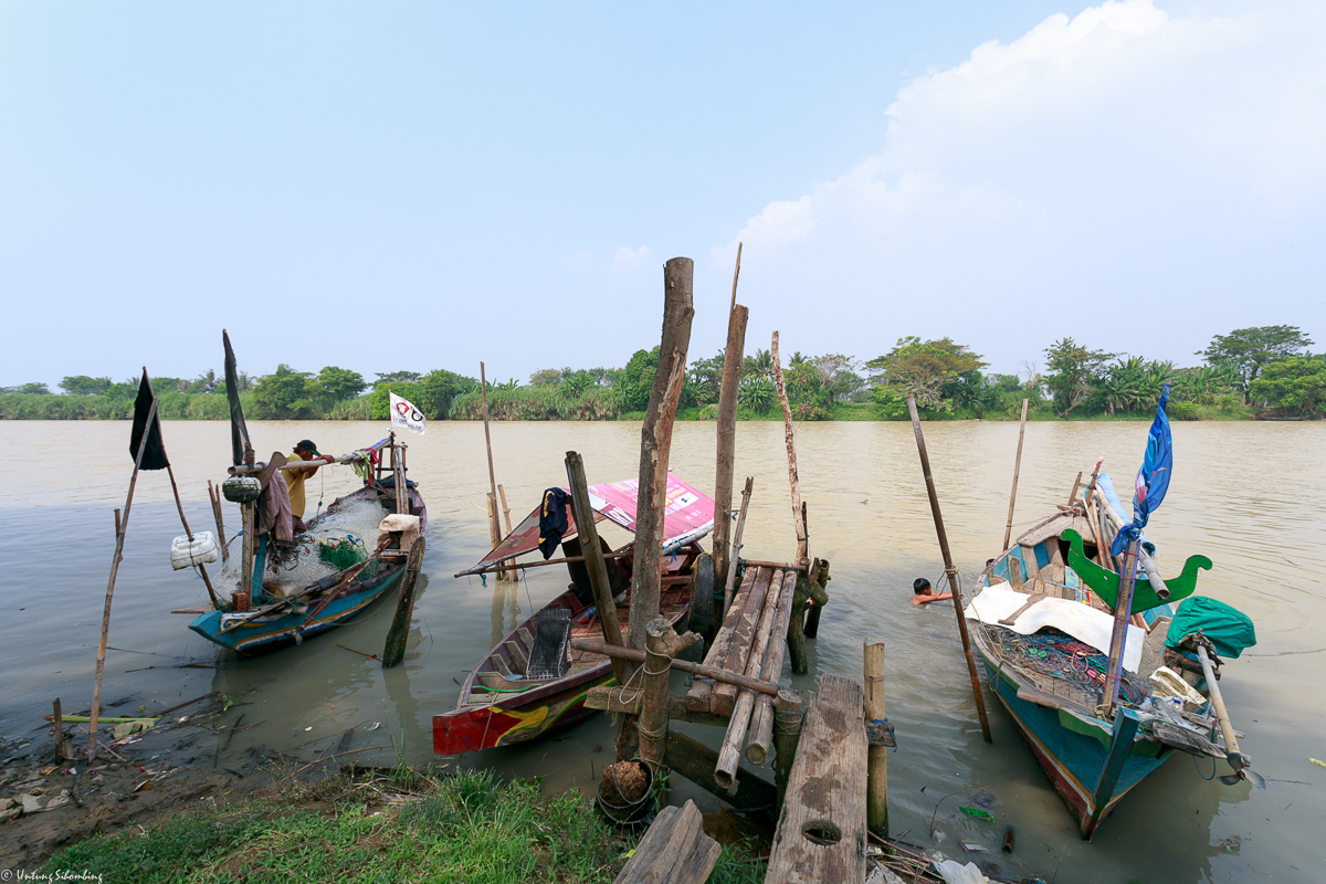 <p>Waste has degraded the river water. Photo by Indonesian Center for Environmental Law</p>