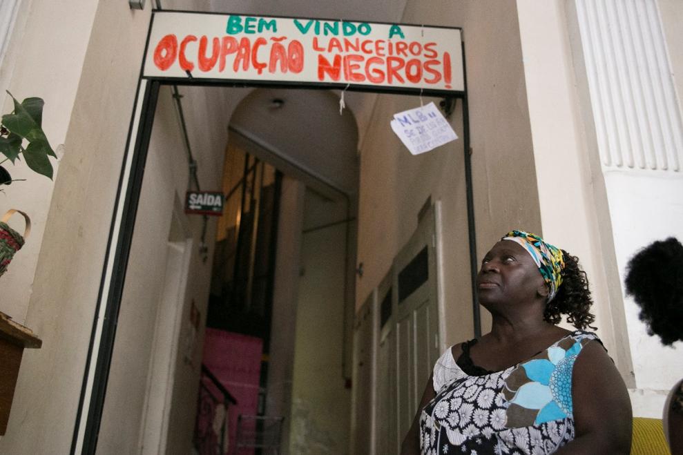 <p>Jussara near her home in Porto Alegre, Brazil. Photo by Fernanda Boscaini and Caroline Donatti/WRI Brasil</p>