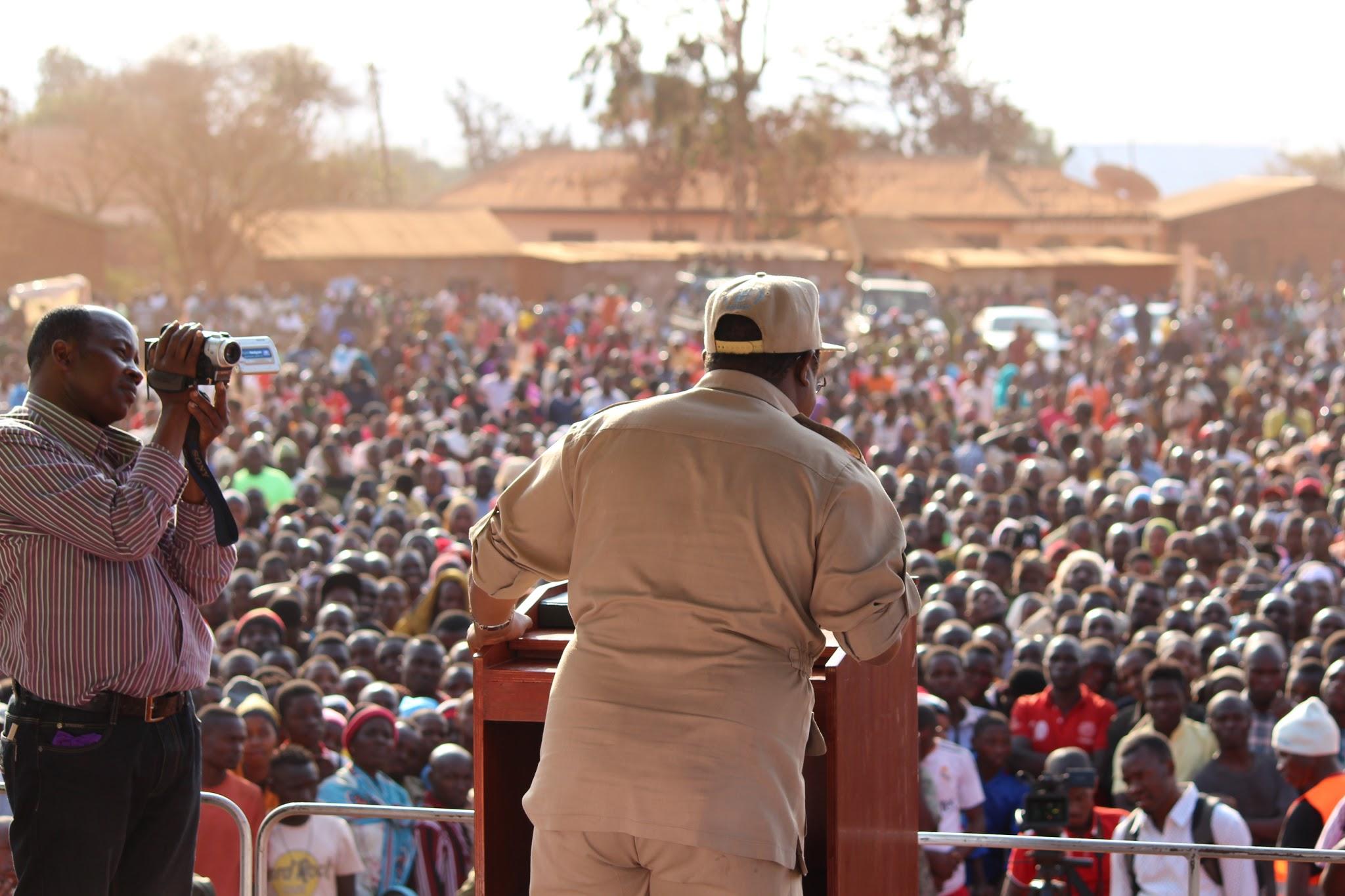 <p>Tundu Lissu speaking to a crowd. Wikimedia</p>