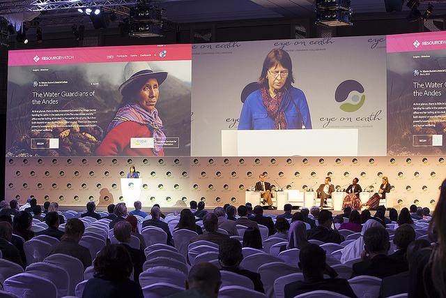 <p>Janet Ranganathan delivers a keynote address on data visualizations at the Eye on Earth Summit. Photo by Bill Dugan/WRI</p>