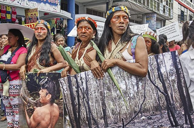 <p>Pengunjuk rasa di Ekuador. Foto oleh Pato Chavez/Flickr</p>