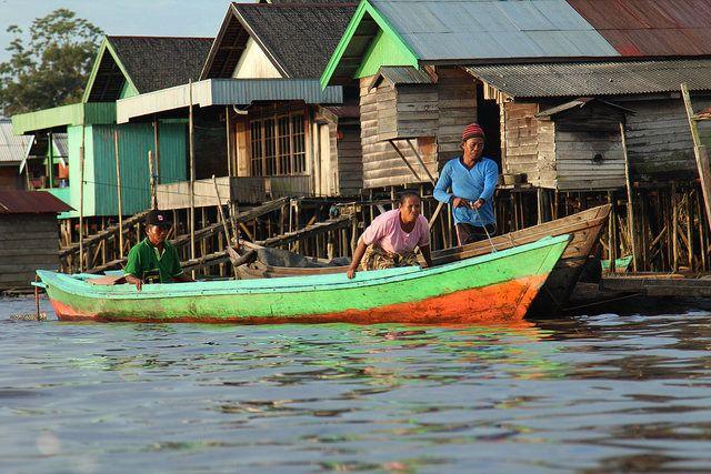 Riverside community, Central Kalimantan, Indonesia. Photo Credit: James Anderson/WRI