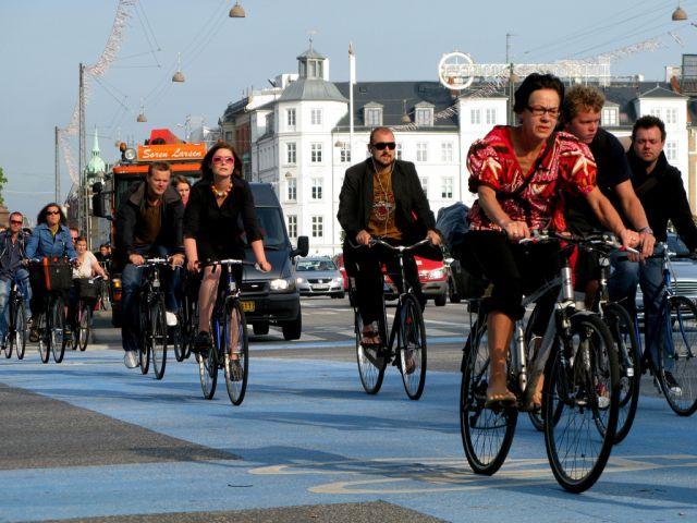 Biking in Copenhagen. Flickr/Mikael Colville Andersen