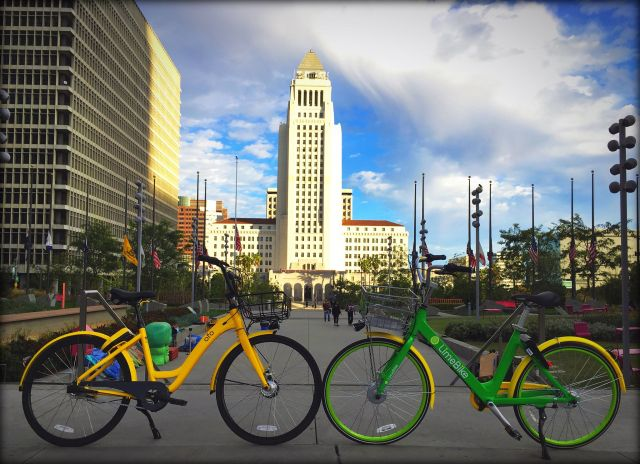 Dockless bikes in Los Angeles. Flickr/waltarrrr