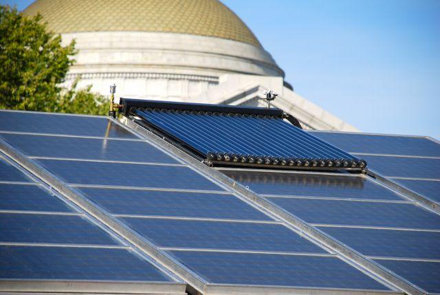 Solar in Washington, DC. Flickr/Adam Fagen