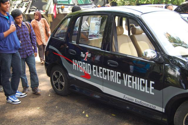 The first Indonesian hybrid EV, in 2010. Flickr/Iklhlasul Amal