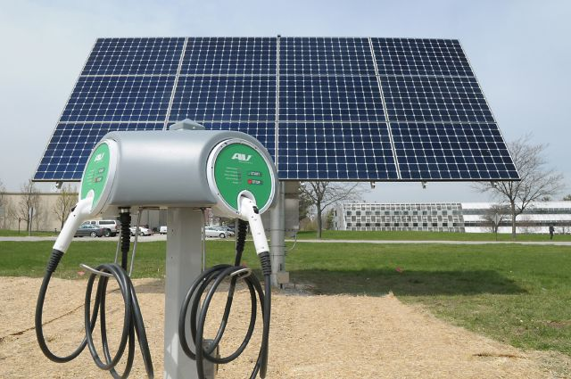 Renewable energy and electric vehicles can strengthen one another. Photo credit: Argonne National Lab/Flickr