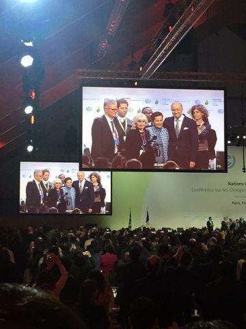 Paris Agreement adopted. Photo credit WRI