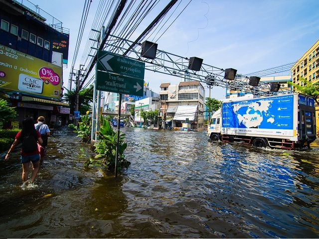 Situated in Thailand's expansive Chao Phraya river basin, Bangkok is particularly susceptible to urban damage due to river flooding. Photo by Chrisgel Ryan Cruz/Flickr.