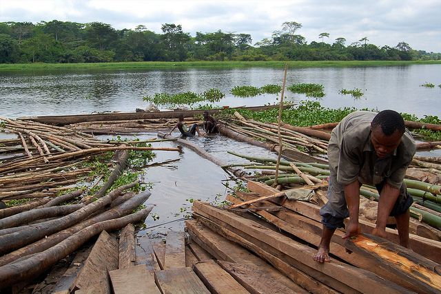 Hundreds of millions of people across Africa, Asia, and Latin America depend on forests for their livelihoods and culture. Photo credit: Jolien Schure, CIFOR