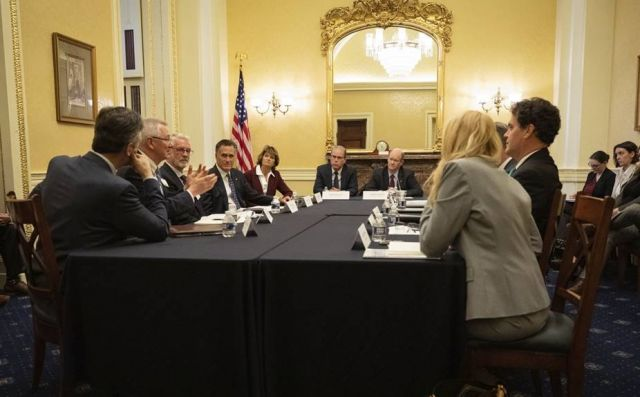 WRI CEO and President Andrew Steer and other members of the CEO Climate Dialogue meet with senators, November 5, 2019