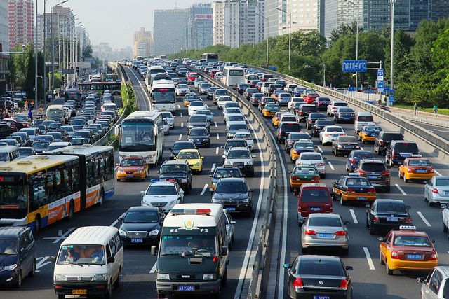 Traffic in Beijing. Photo credit: Li Lou, World Bank