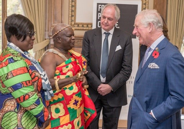HRH The Prince of Wales meets Chief Kwasi Katakyie Bumagama II of Ghana as Paul Polman looks on