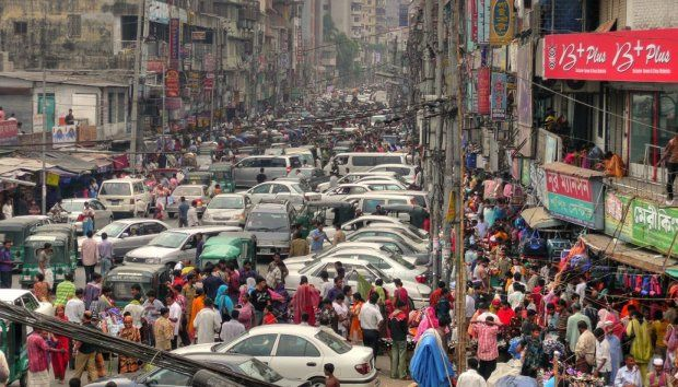The India GHG Program provides Indian businesses with tools and technical assistance to measure emissions, identify reduction opportunities, establish short- and long-term reduction goals, and track progress. Photo credit: joiseyshowaa, Flickr 2008
