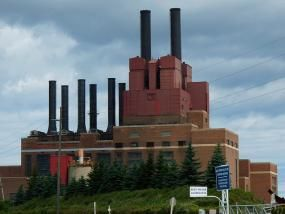 A coal-fired power plant in Marysville, Michigan. Photo credit: Sentrawoods, Flickr