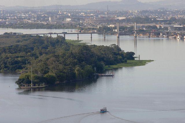 Temperatures are climbing to record-breaking highs in Porto Alegre, Brazil. Photo by Bruna Cabrera/Flickr.