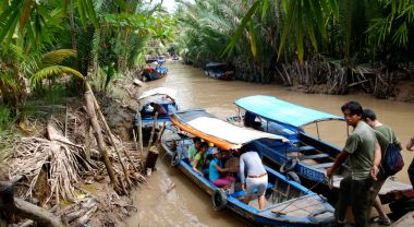 The Lower Mekong River Basin (LMB) spans Laos, Cambodia, Thailand and Vietnam, and supports 60 million people. The region is also widely recognized as highly vulnerable to the impacts of climate change. Photo credit: William Cho, Flickr