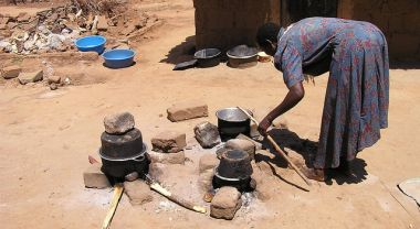 One-quarter of Africa's projected food gap can be addressed by supporting a drive to achieve replacement level fertility by 2050. Better food security could be achieved by reducing food loss and waste. Photo Credit: Mark Jordahl/Flickr