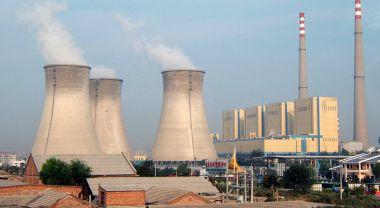 A coal plant in Beijing, China. Photo credit: Bret Arnett, Flickr