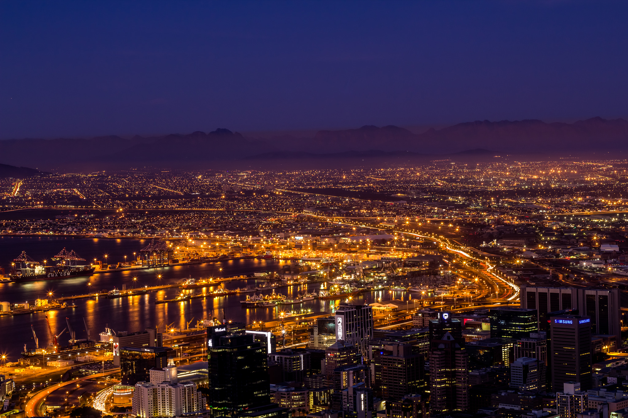<p>Cape Town in the evening. Flickr/Kyle Witting</p>