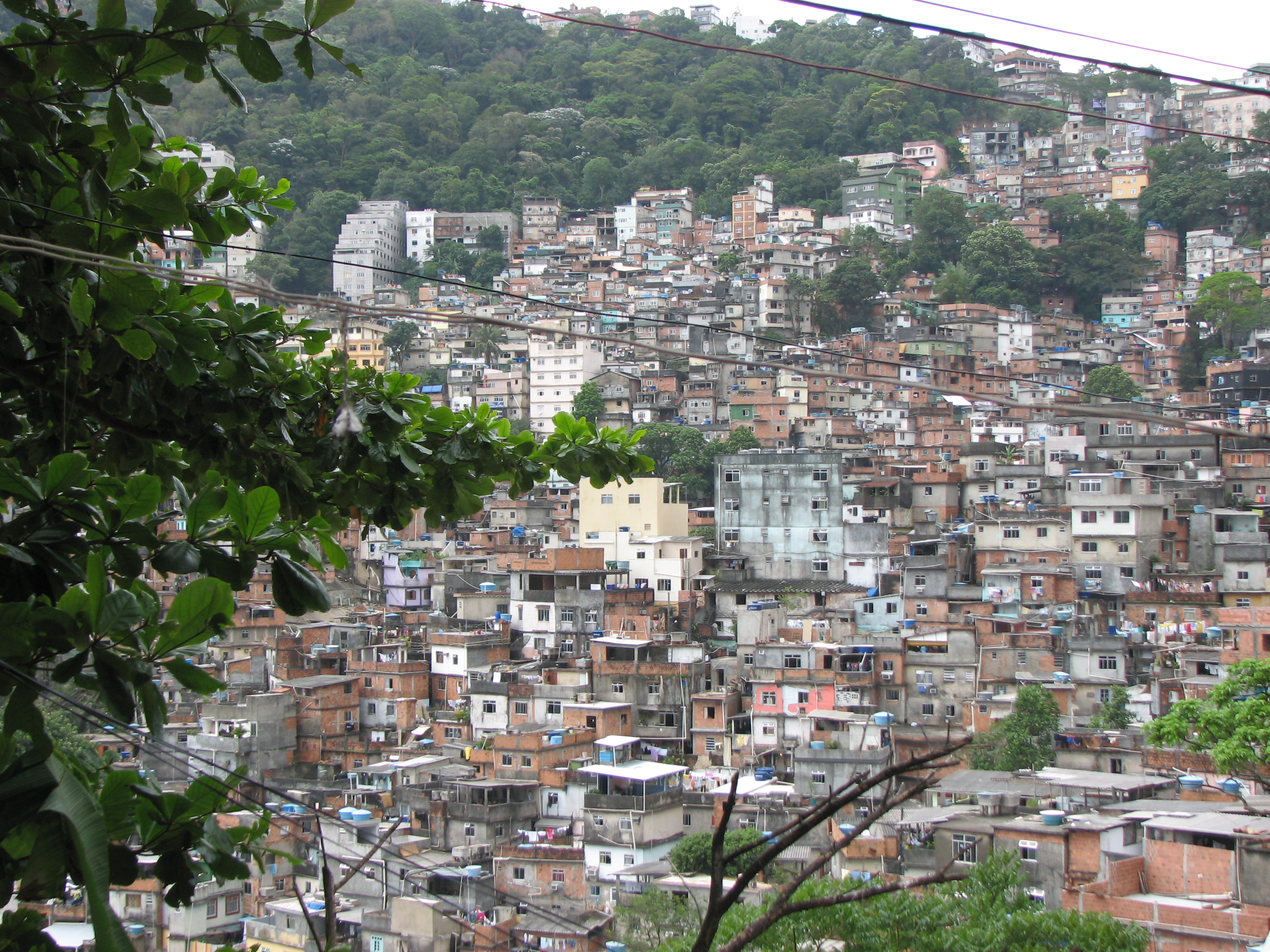 <p>Crowded settlements in Brazil. Flickr/WRI</p>