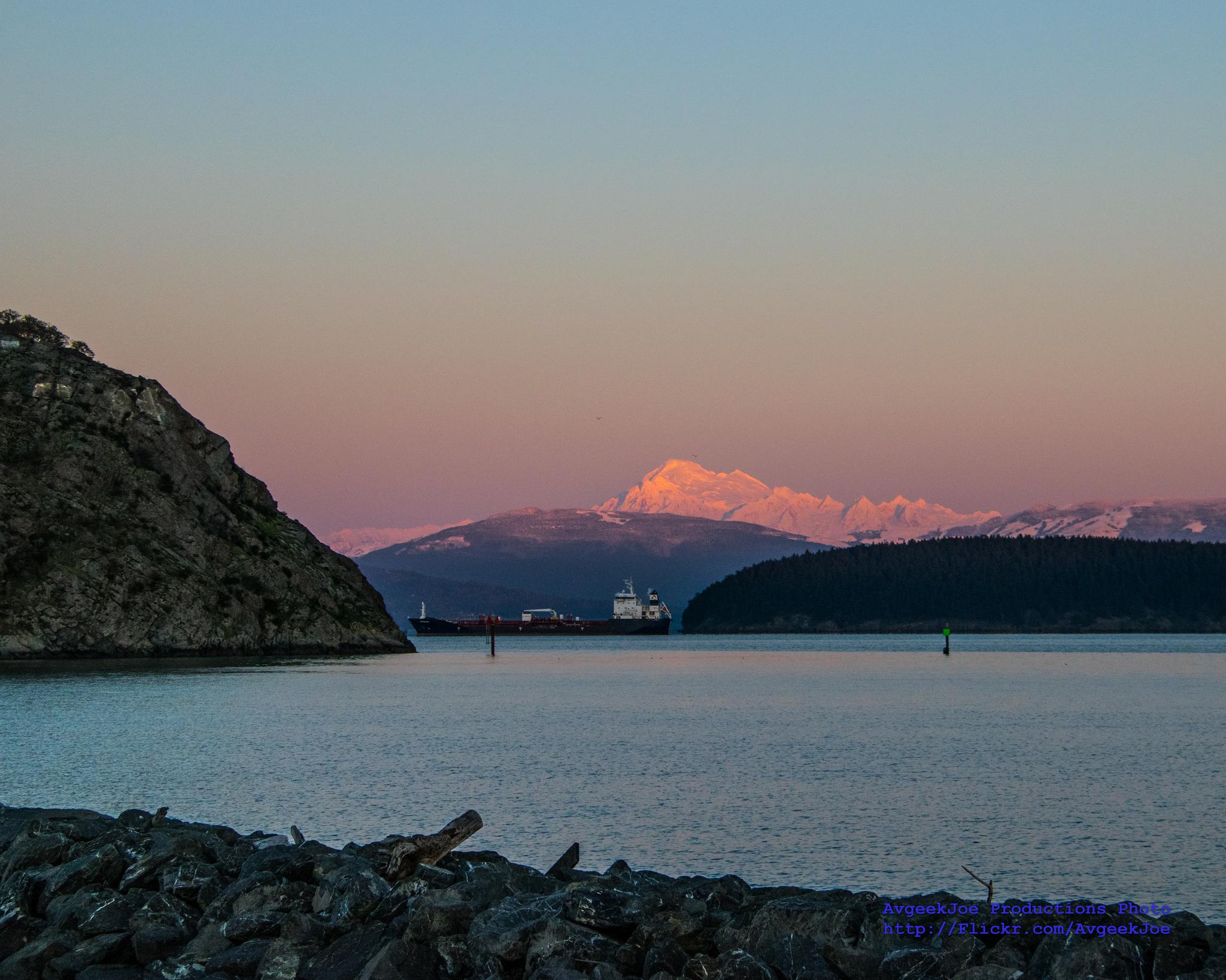 <p>Mount Baker seen from Anacortes, Washington. Photo by Joe A. Kunzler/Flickr</p>