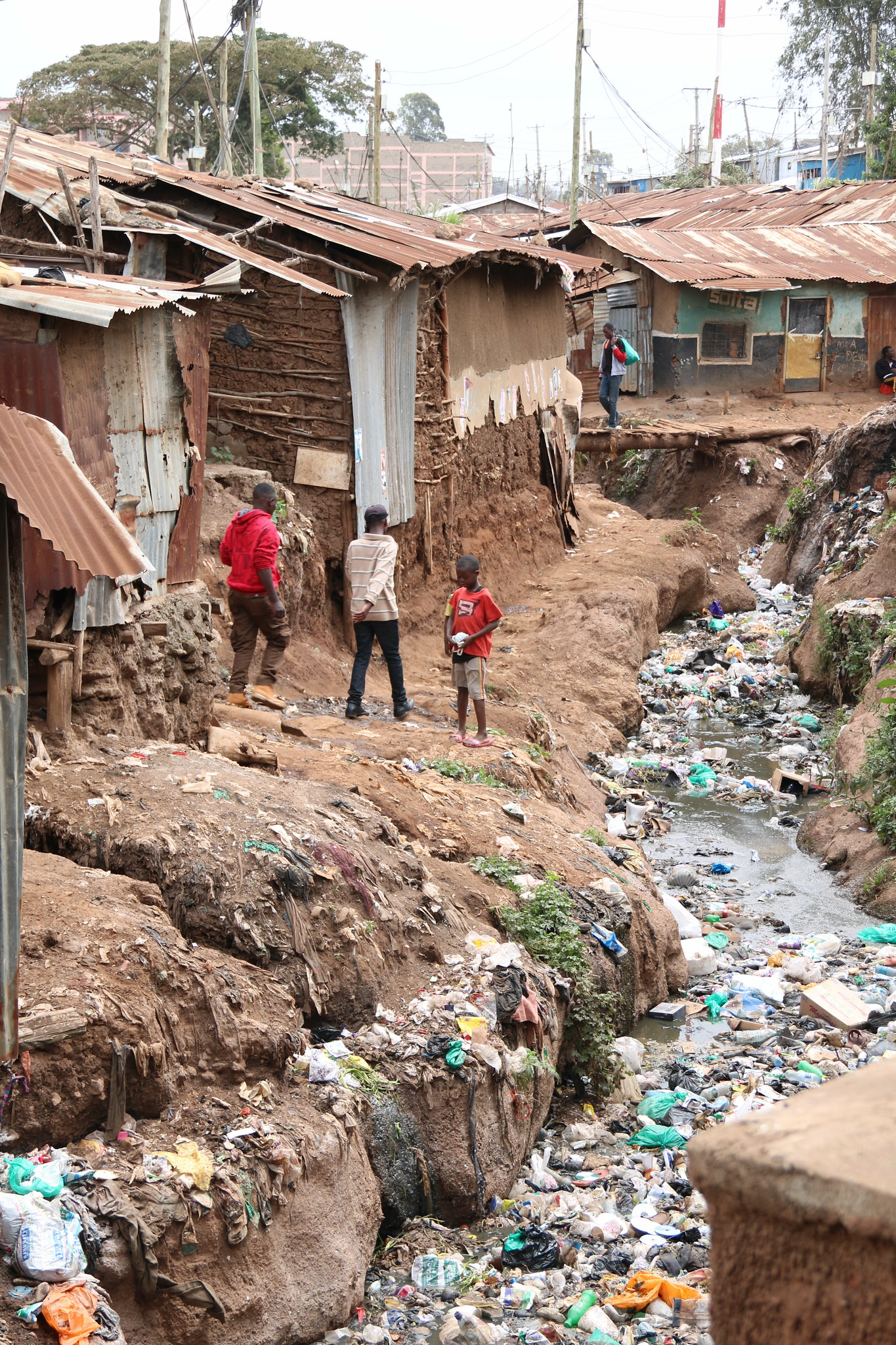 <p>A polluted canal in Kibera, Nairobi, Kenya. Photo by Talia Rubnitz/WRI</p>