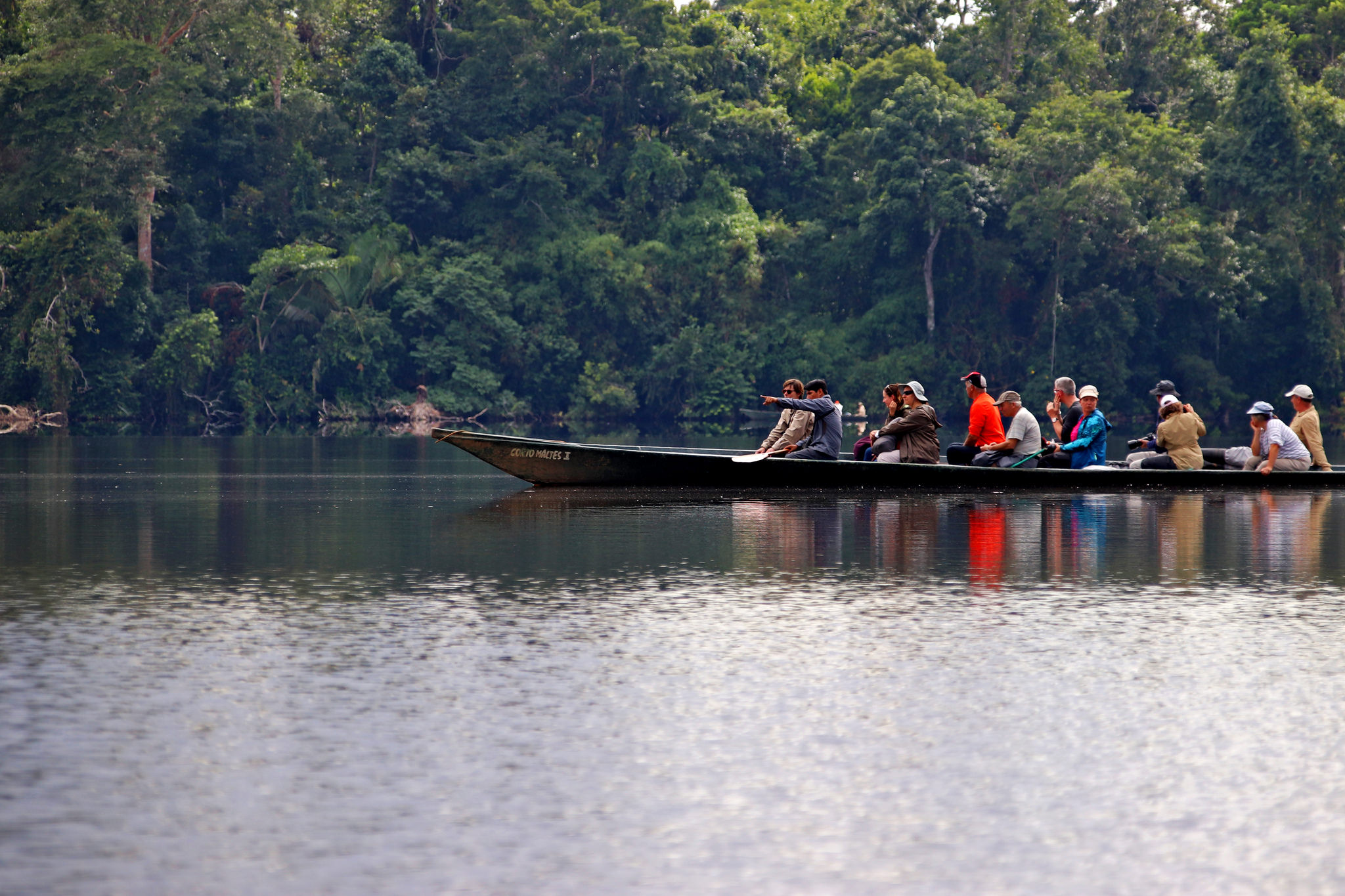 <p>Rowing across a lake in Peru\'s Amazon. Flickr/WRI</p>