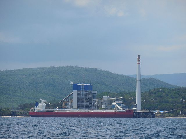 <p>The coal-fired Quezon Power Plant in Mauban, Quezon, Philippines. Photo by Lawrence Ruiz (Epi Fabonan III)/Wikimedia</p>