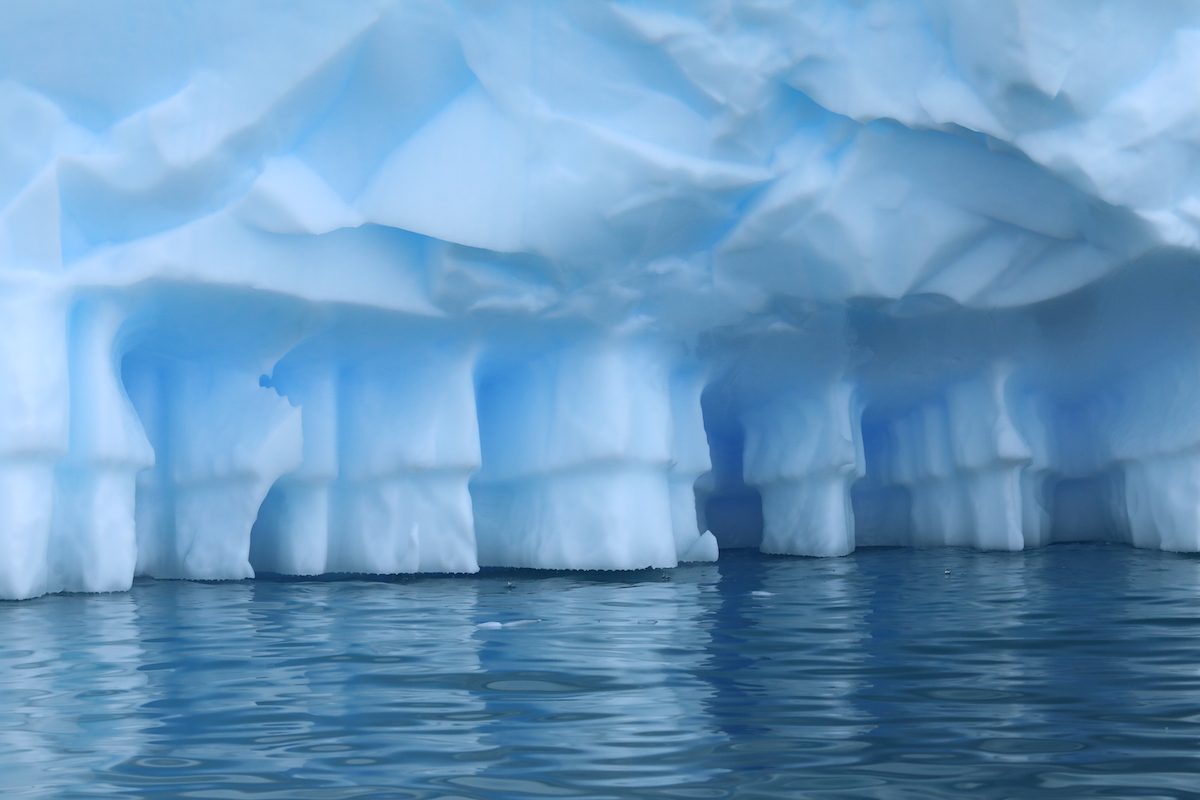 <p>Warming is resulting in ice loss, including melting underneath glaciers. Photo by Kelly Levin/WRI</p>