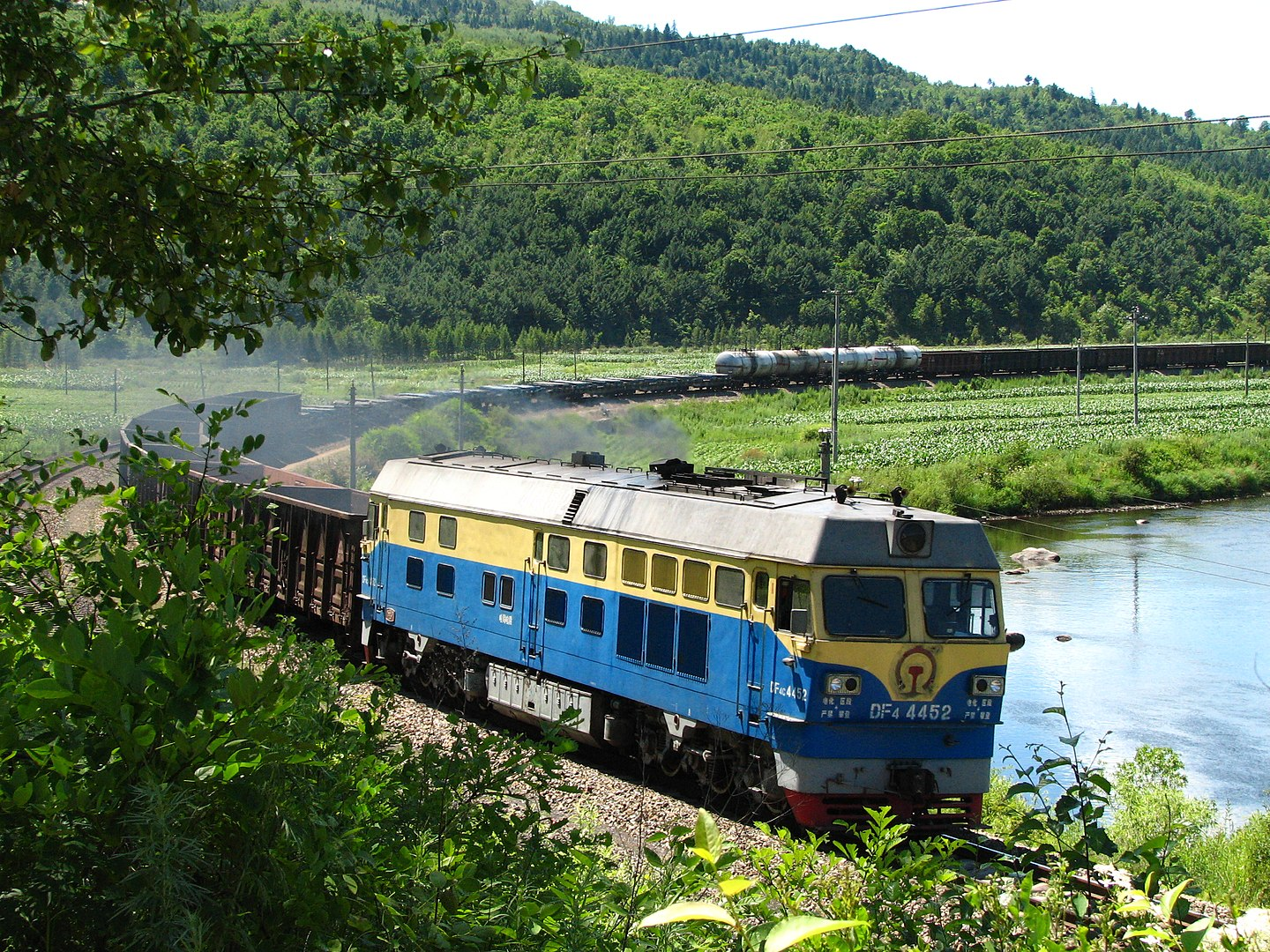 <p>A freight train in Heilongjiang, China. Photo by Xue Siyang/Wikimedia Commons</p>
