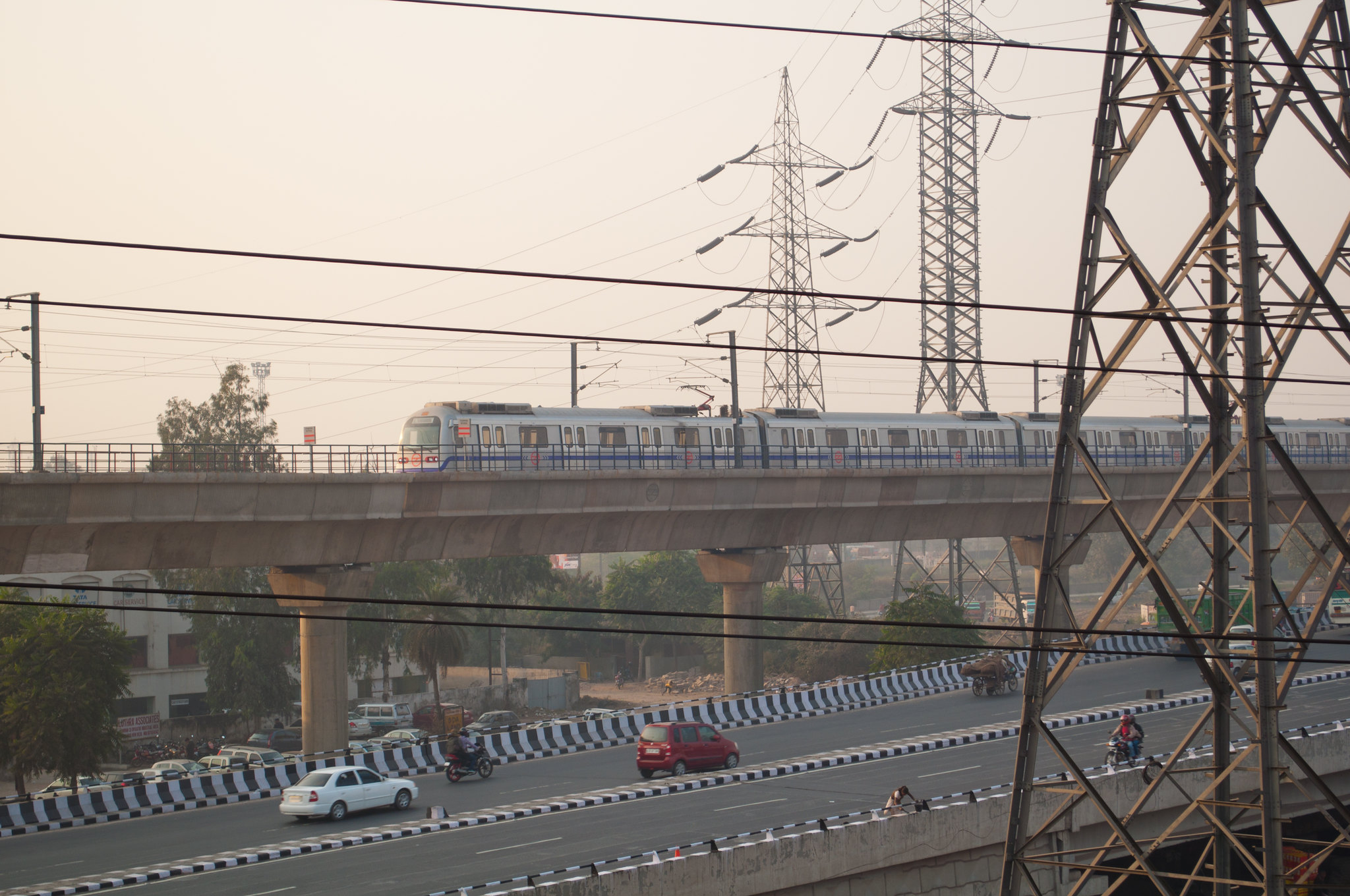 <p>Transportation is a major contributor to Delhi\'s low air quality, but clean transport is also a solution. Photo by Rishabh Mathur/Flickr.</p>