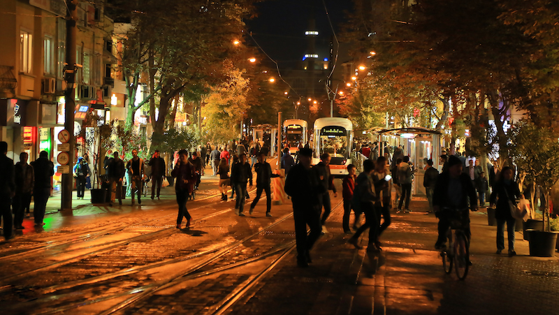 <p>An extensive electric tram network is part of a broader effort to reduce car congestion and pollution in Eskisehir's city center. Photo by Eskisehir Metropolitan Municipality</p>