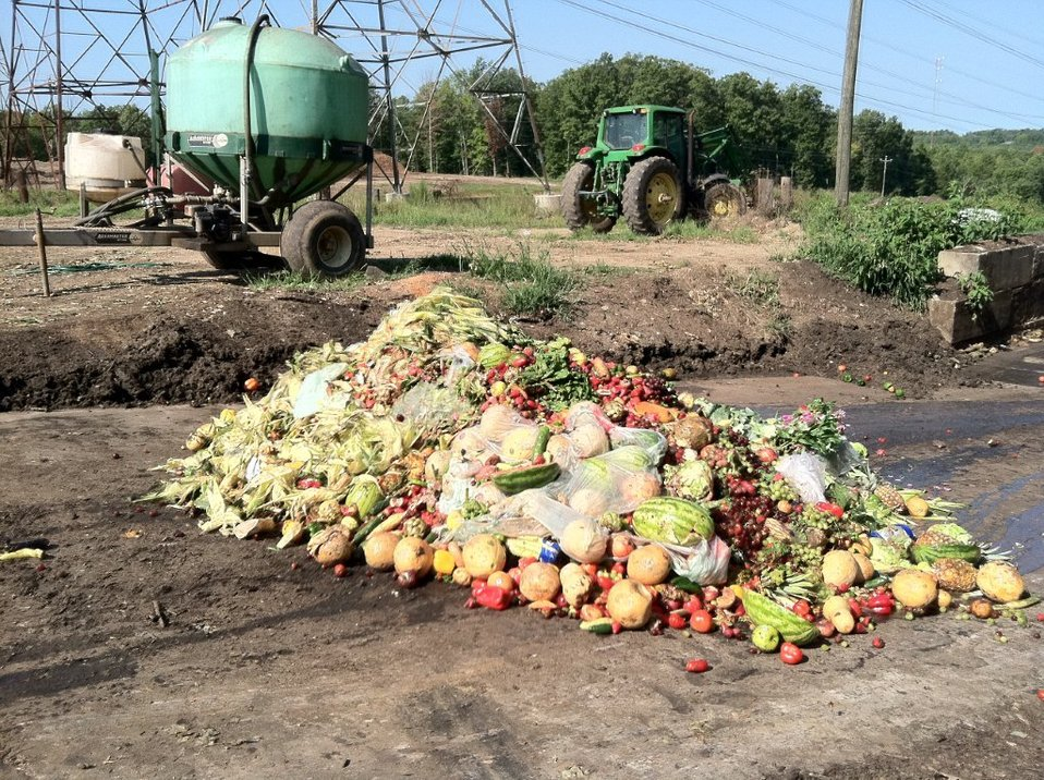 <p>More than one-third of the world\'s food is lost or wasted. Photo by U.S. EPA/Flickr</p>