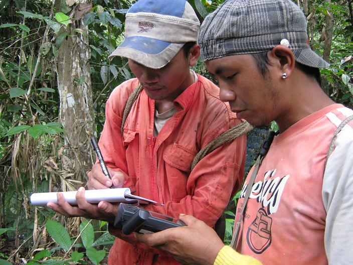 <p>Field team in West Kalimantan, Indonesia. Photo credit: Sekala.</p>