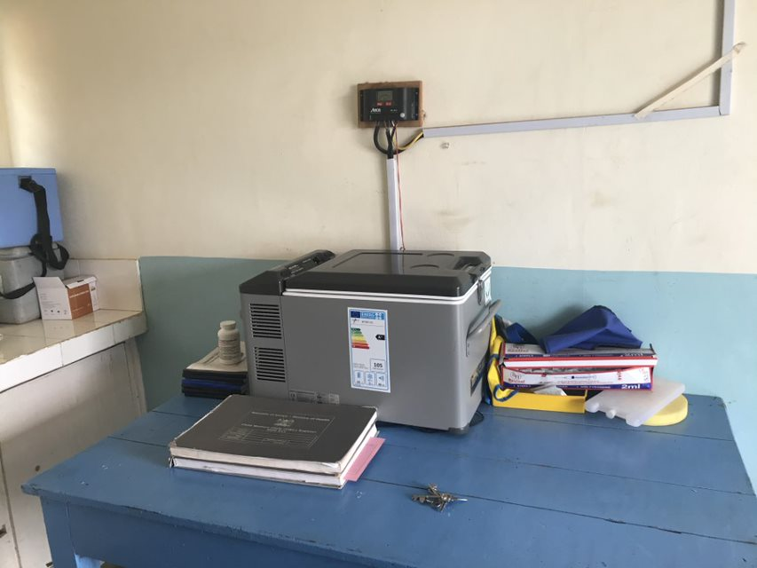 <p>A solar-powered refrigerator stores vaccines. Photo by Esther Kahinga/WRI</p>