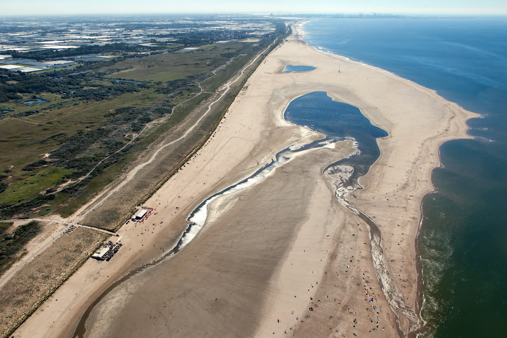 "<p>The ""Sand Motor"" helps prevent flooding caused by coastal erosion. Image: JvL/WRI</p>"