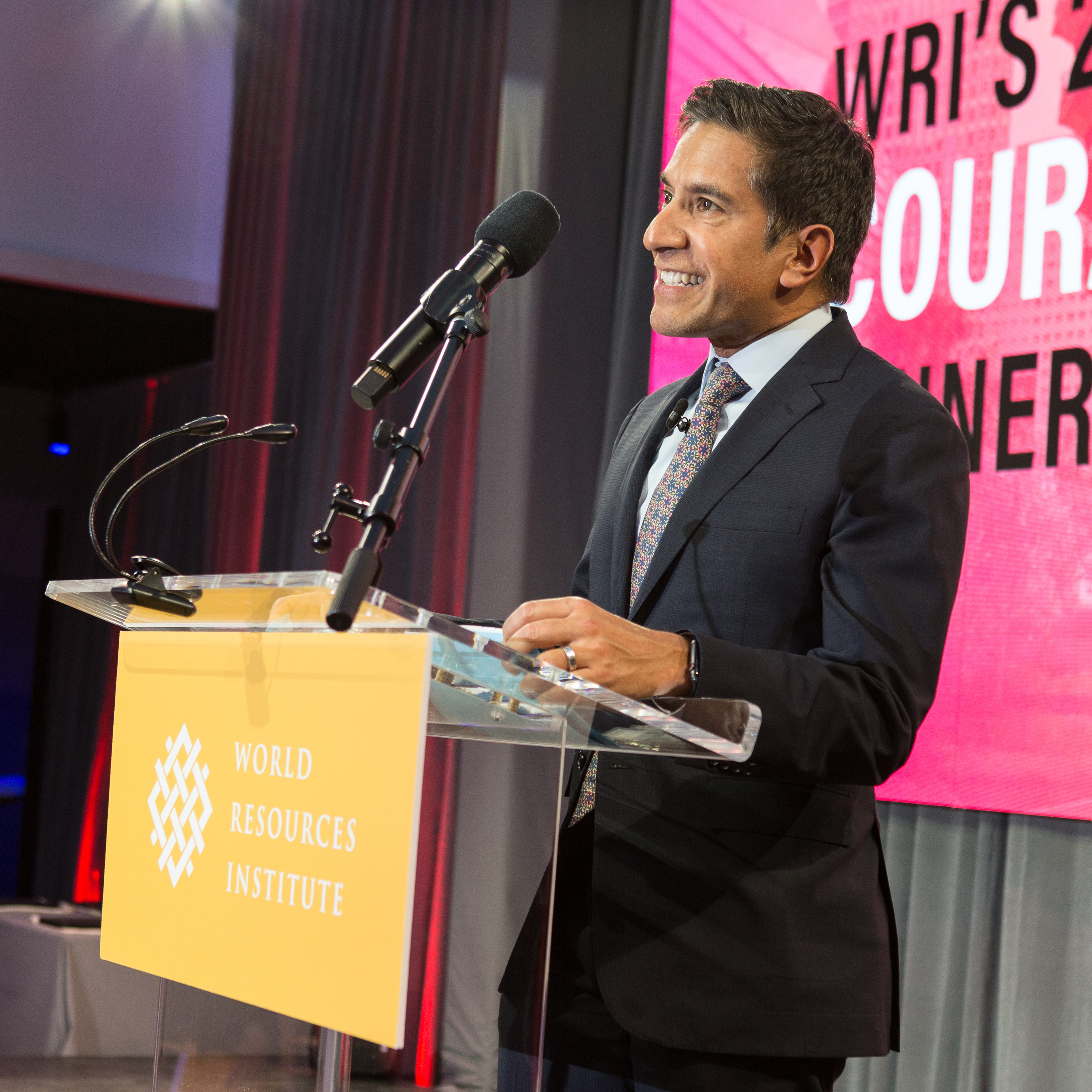 <p>CNN Chief Medical Correspondent Dr. Sanjay Gupta served as emcee of WRI\'s 2019 Courage to Lead dinner. Photo by Ellen Wolff</p>