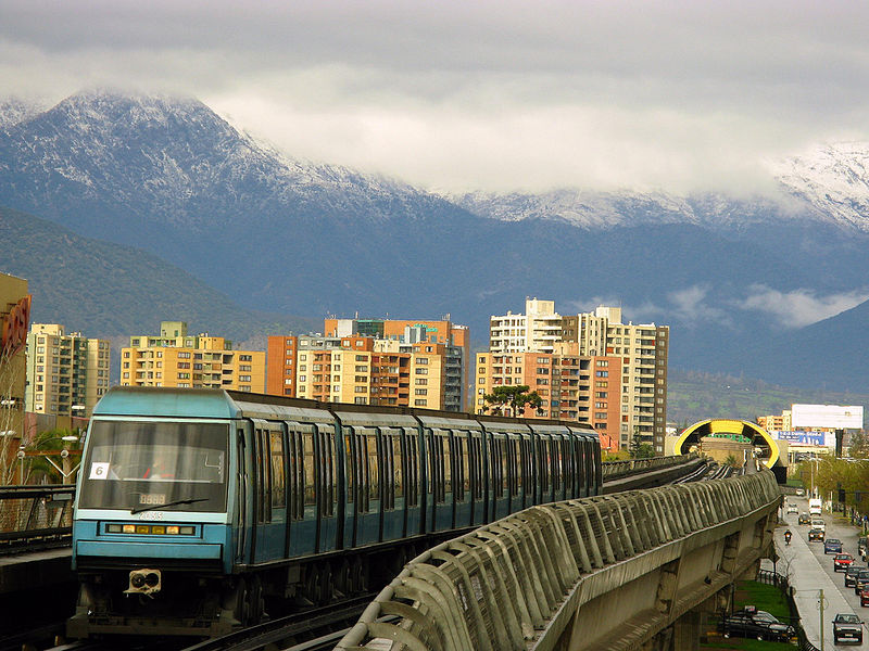<p>A fare increase for the Santiago Metro led to protests in October 2019, revealing Chile's transport inequalities. Photo by Ariel Cruz Pizarro/Wikimedia Commons</p>