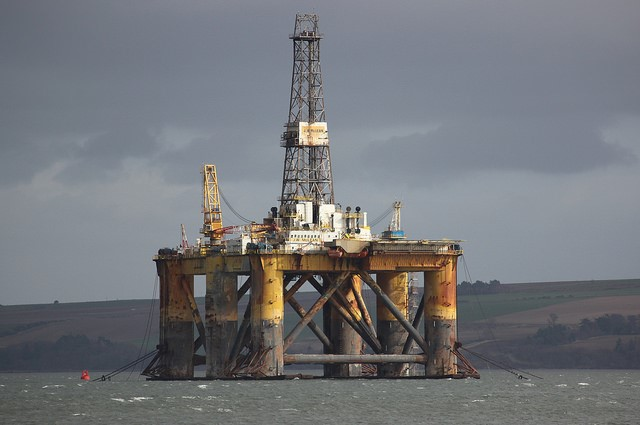 <p>Scotland oil rig. Photo by Steven Straiton/Flickr</p>